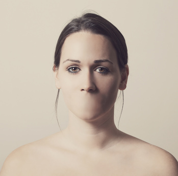 Woman with no mouth and cannot talk